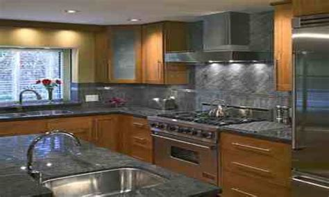pictures of backsplashes in kitchen home depot backsplash for kitchen kenangorgun