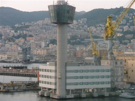 torre porto genova incidente a genova jolly nero contro la torre piloti