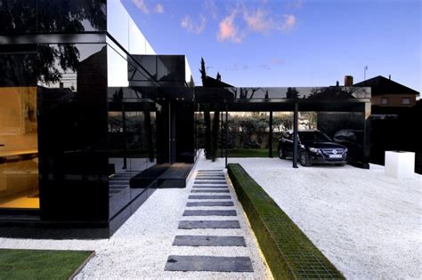 black houses modular glossy black houses by a cero digsdigs