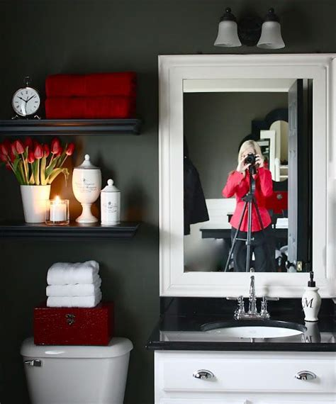 best 25 red bathrooms ideas on pinterest bathroom wall colors small bathroom colors and black white and red bathroom decorating ideas