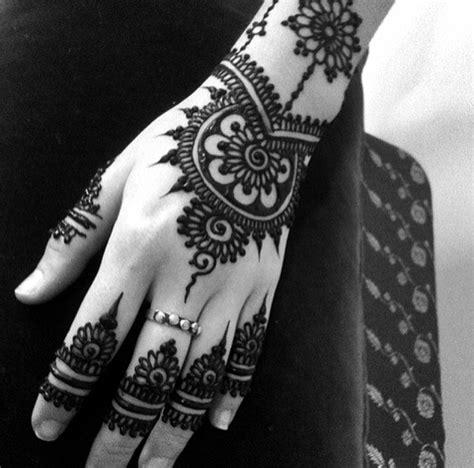 uwielbiam tatuaże na dłoniach na ulubione zszywka pl