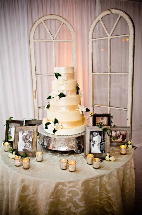 Elegant Wedding cake table with ivory sequence linen