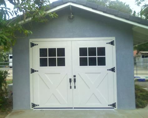 Barn Style Garage Doors 1000 Images About Garage Doors On Barn Style Garage Door