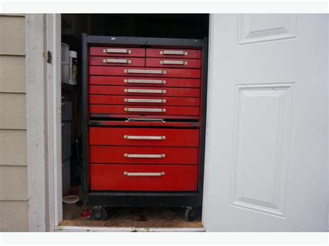 12 drawer tool chest on casters outside