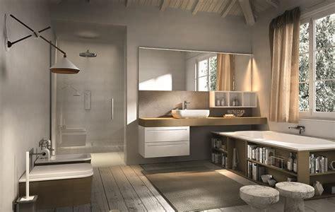 bagno moderno con vasca arredamento da bagno con vasca con contenitori idfdesign