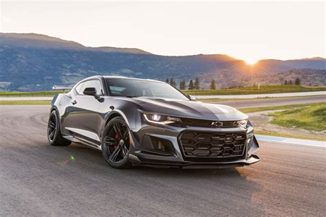 drive the 2018 camaro zl1 1le is a masterclass of