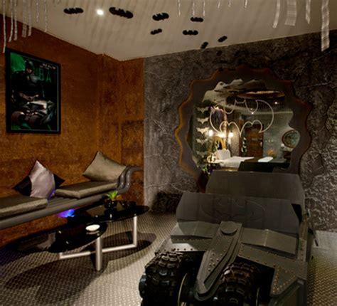 Batman Themed Hotel Room by Batman Themed Hotel Room Strange Beaver