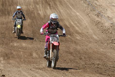 motocross bike race girls racing dirt bikes www pixshark com images