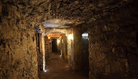 underground vaults html descend and discover independent visit of edinburgh vaults