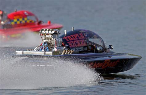 v8 fan boat racing speed boats engine
