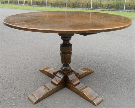 sold oak pedestal extending dining table to seat eight