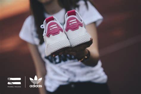 Sepatu Adidas X Pharrel Williams adidas originals x pharrel williams tennis hu quot iconic quot
