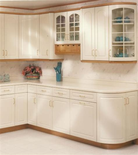 kitchen cabinet light rail light rail molding for kitchen cabinets history modern
