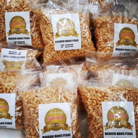 Puyur Camilan Tradisional Pedas Manis Dan Gurih jual makroni manis pedas harga murah surabaya oleh pt usaha pangan sejahtera