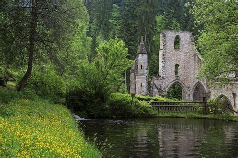 beautiful abandoned places 20 of the most beautiful abandoned places in the world
