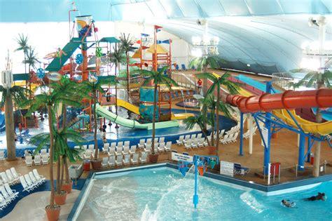 In Door Water Park by Fallsview Indoor Waterpark Falls Avenue Resort Niagara