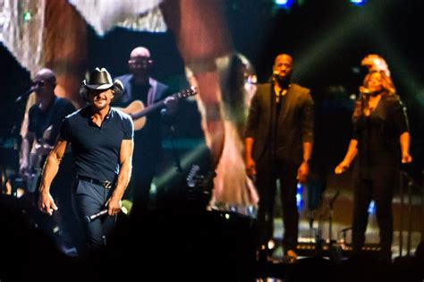 Bummer For Tim Faith review tim mcgraw faith hill houston toyota center 10