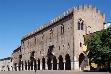 ingresso palazzo ducale nuovi progetti per palazzo ducale a mantova artribune