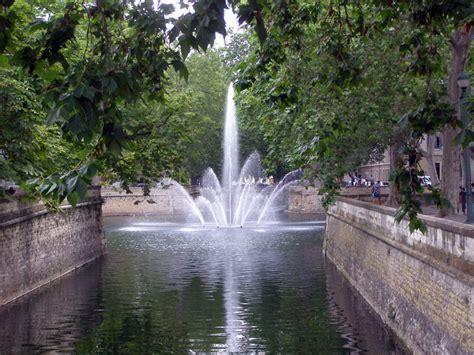 jardin fontaine jardin de la fontaine