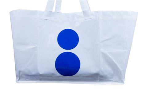 ikea frakta 再見了 經典藍色購物袋 ikea 無預警推出全新款 frakta bag a day magazine