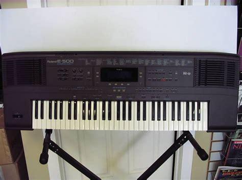 Keyboard Roland E14 wikizic