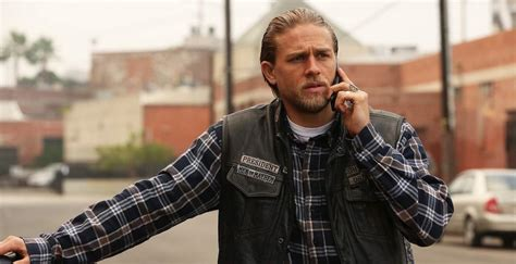 jax from sons of anarchy short hair how to dress like motorcycle hardman jax teller the idle man