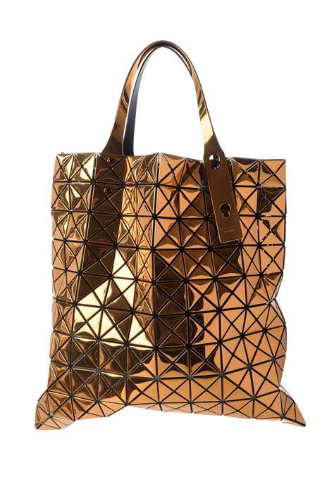 issey miyake bao bao large geometric tote in gold santa fe goods trippen rundholz avant