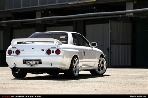skyline nissan r32 white gold terry s n1 r32 gtr tuned international