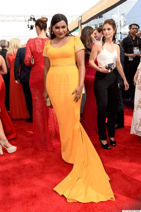 mindy kaling queer eye mindy kaling won the red carpet accessory game at the