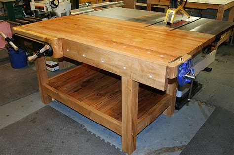 table saw work bench workbench doubles as table saw out feed table why don t more people do this