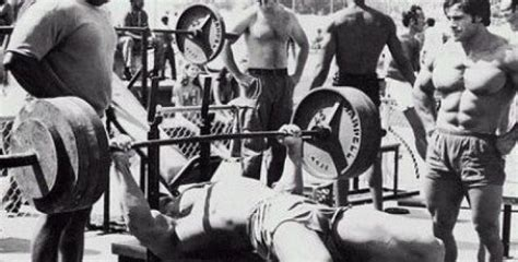 how to properly bench press how to bench press properly in five simple steps