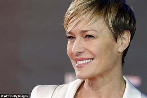 house of cards season 3 robin penns hair house of cards robin wright and kevin spacey attend