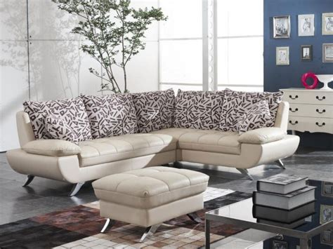 memilih sofa  ruang tamu kecil renovasi rumahnet