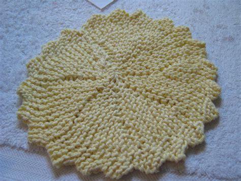 circular dishcloth knitting patterns erndales n more stash buster thursday knitted