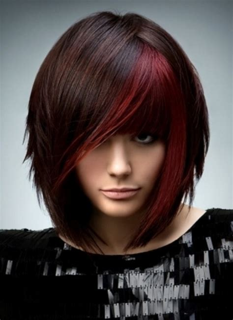sexy bob haircut with chunky red highlites trendy highlights for brunette hair gorgeous brunette