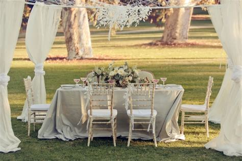 Country Garden Wedding Ideas Ruffled 174 Country Garden Wedding Ideas Shewanders Photography Retail Therapy For