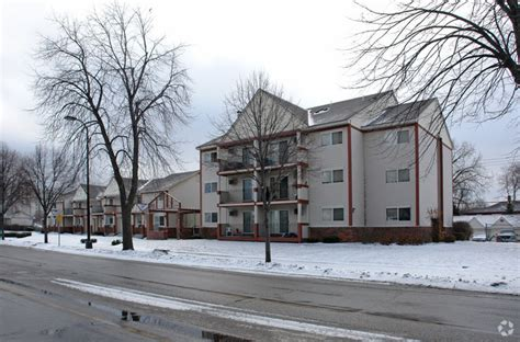plymouth condos for rent plymouth avenue townhomes rentals minneapolis mn