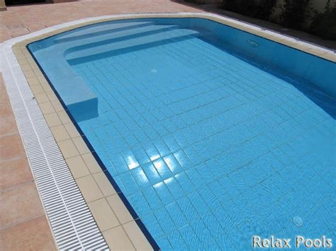 pool bench seat no tile on steps spa seat and tanning shelf