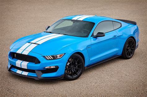 ford and mustang confirmed 2017 shelby gt350 mustang gains more standard