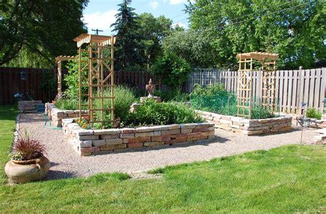come progettare un giardino fai da te Decorazioni Per La