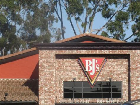 Bj S Restaurant Brewery Ca Picture Of Bj S Restaurant House Of Brews Huntington