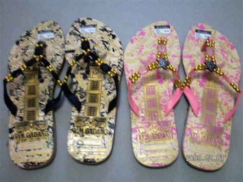 Sendal Manik sandal anyaman souvenir minang
