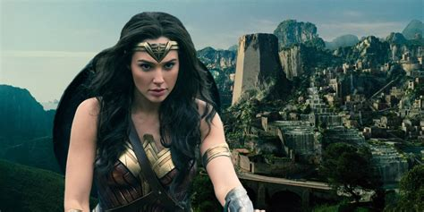 film wonder woman new wonder woman movie stills released screen rant