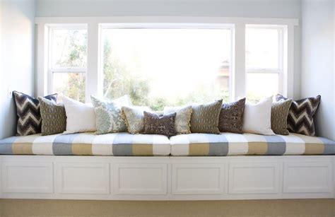 cozy sweet built  window seats digsdigs