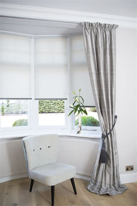 window treatments with blinds and curtains 25 best ideas about bay window blinds on pinterest bay