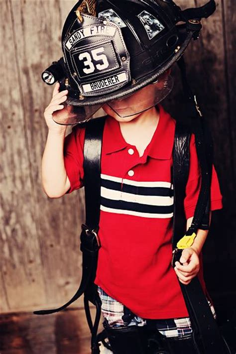 cute i need to redecorate my sons fireman s bedroom to 34 best images about firefighter photo shoot on pinterest