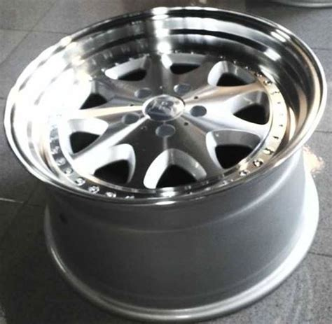Velg Racing Type Suft Ring 22 Lebar 8 5 Lobang 5x114 3 Offset 40 jual velg mobil brabus monoblock 3 ring 18 murah di surabaya flash auto modified