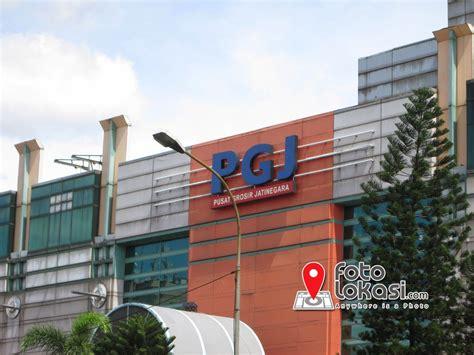 Pusat Grosir Pusat Grosir Jatinegara Bangunan Mall Yang Terbengkalai