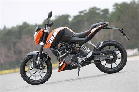 Einsteigermotorrad 125ccm by Mt125 Vs Ktm Duke 125 Vergleich Testbericht