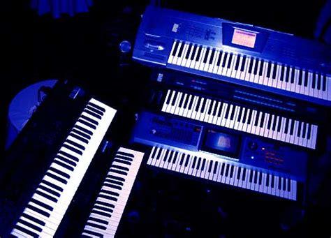 Keyboard Yamaha Korg Roland korg roland or yamaha norctrack instruments